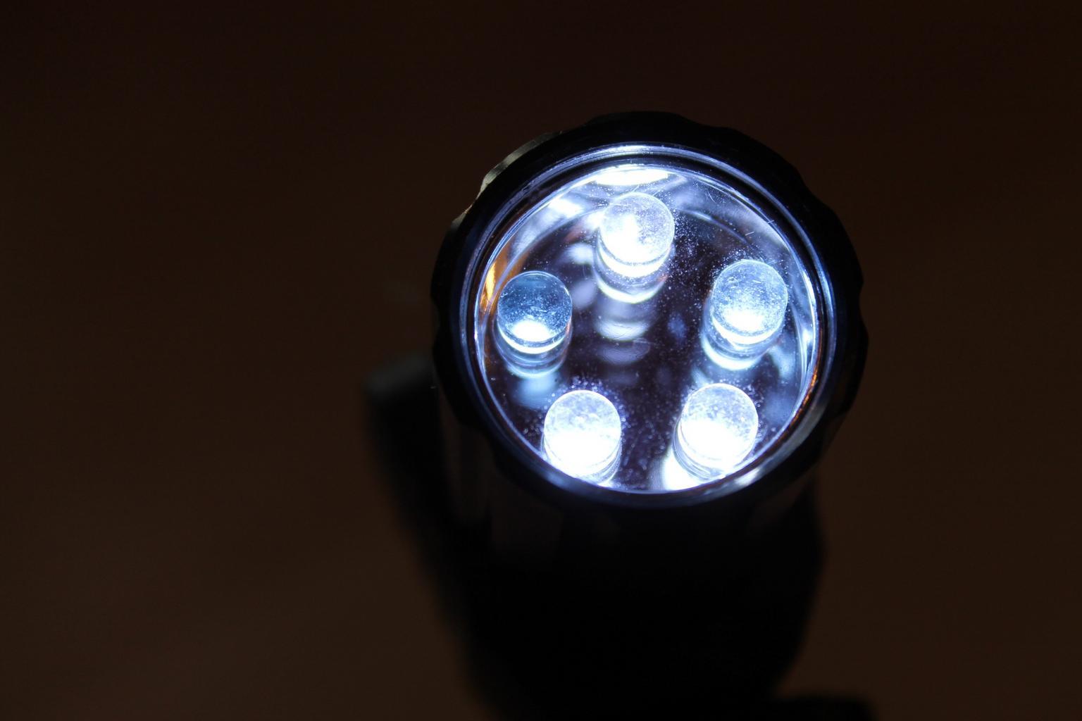 Čo je to vlastne osvetlenie LED a aké ponúka možnosti?
