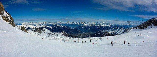 hory, lyžiarske stredisko.jpg